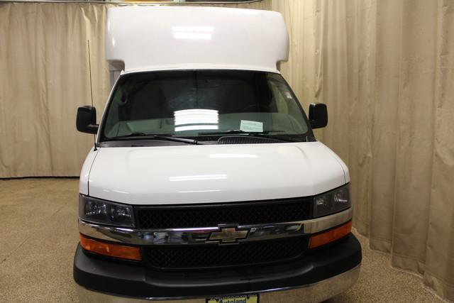 2013 Chevrolet Express Commercial Cutaway cutaway van Roscoe, Illinois 7