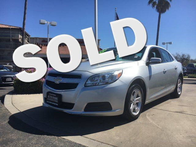 2013 Chevrolet Malibu LT Youll love this gas sipping vehicle when you fill up at the pump VIN