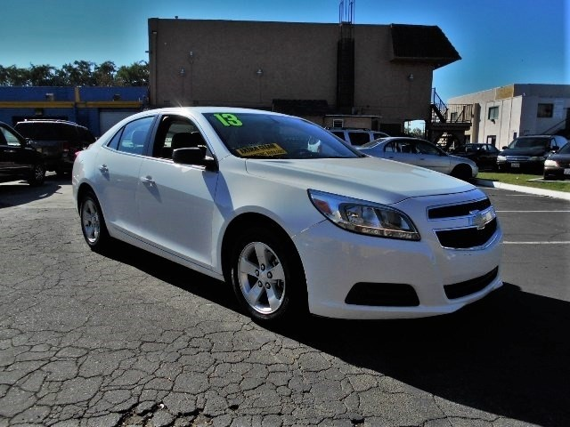 2013 Chevrolet Malibu LS Limited warranty included to assure your worry-free purchase AutoCheck r