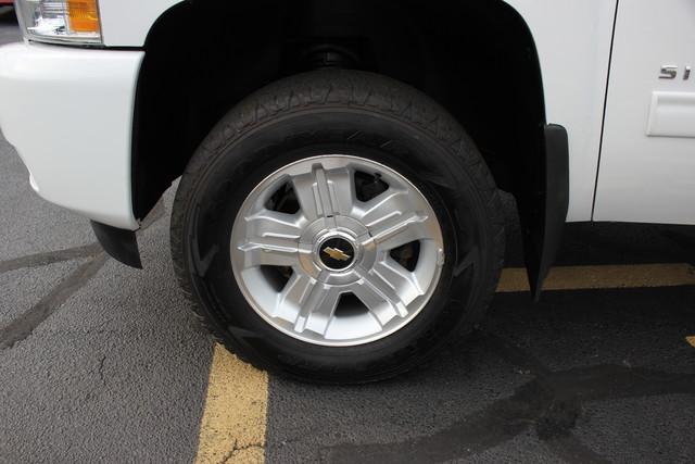 2013 Chevrolet Silverado 1500 LT Mooresville , NC 7