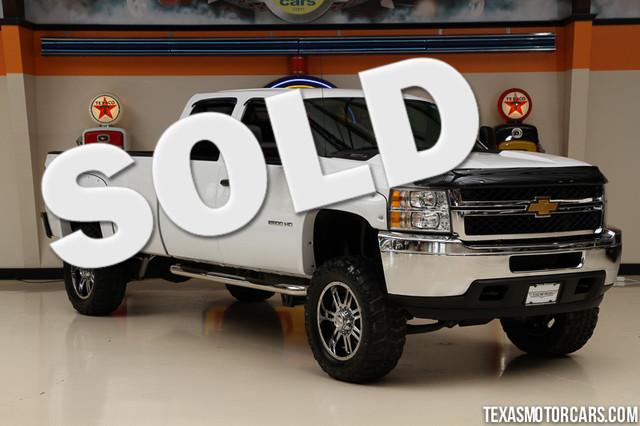 2013 Chevrolet Silverado 2500HD 4x4 This Carfax 1-Owner 2013 Chevrolet Silverado is in great shape
