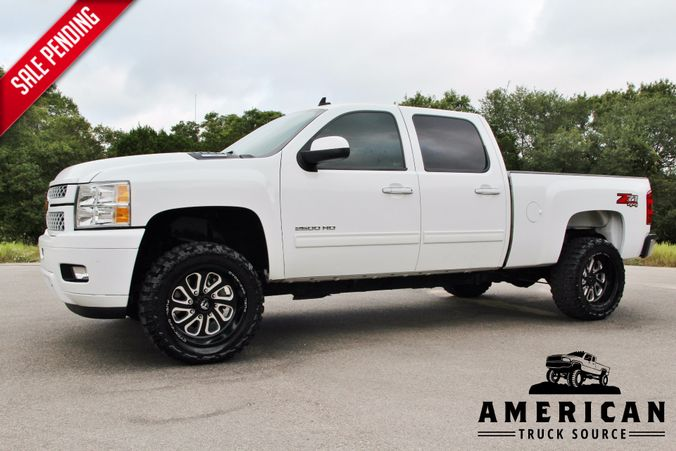 2013 Chevrolet Silverado 2500HD in Liberty Hill , TX