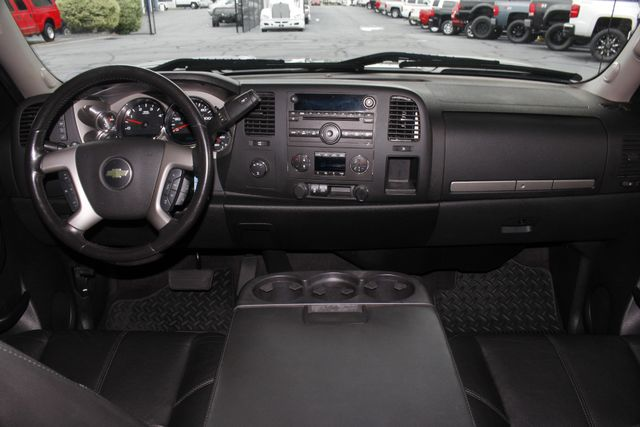 2013 Chevrolet Silverado 2500HD LT Crew Cab 4x4 Z71 - DURAMAX - LEATHER! Mooresville , NC 26