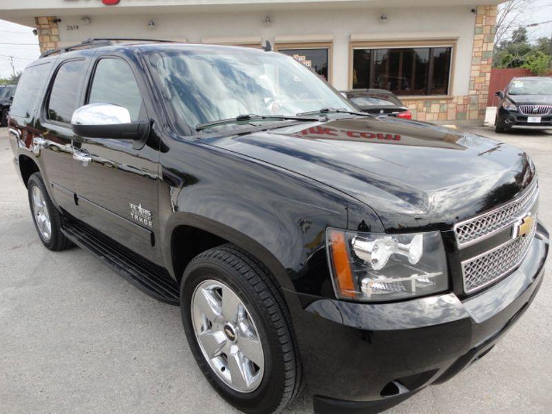 2013 Chevrolet Tahoe LT  Brownsville TX  English Motors  in Brownsville, TX