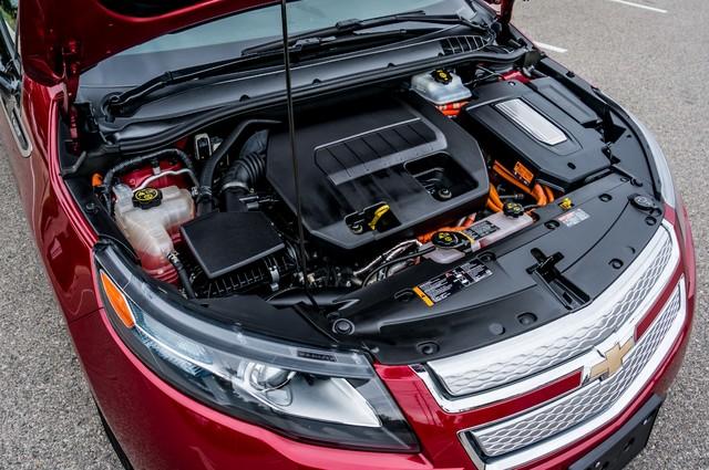 2013 Chevrolet Volt PREMIUM - 19K MILES - NAVI - LHTR -HTD STS Reseda, CA 48