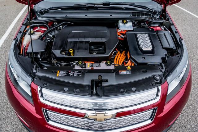2013 Chevrolet Volt PREMIUM - 19K MILES - NAVI - LHTR -HTD STS Reseda, CA 47