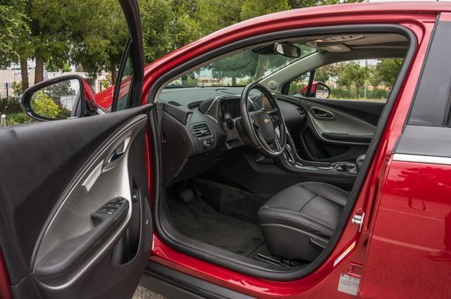 2013 Chevrolet Volt PREMIUM - 19K MILES - NAVI - LHTR -HTD STS Reseda, CA 14