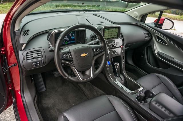 2013 Chevrolet Volt PREMIUM - 19K MILES - NAVI - LHTR -HTD STS Reseda, CA 15