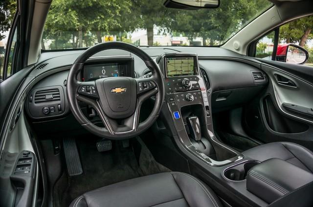 2013 Chevrolet Volt PREMIUM - 19K MILES - NAVI - LHTR -HTD STS Reseda, CA 18