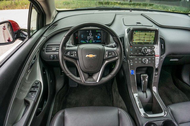 2013 Chevrolet Volt PREMIUM - 19K MILES - NAVI - LHTR -HTD STS Reseda, CA 25