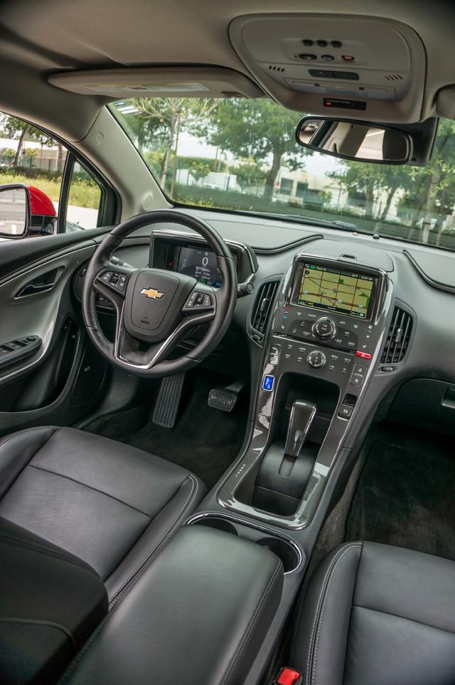 2013 Chevrolet Volt PREMIUM - 19K MILES - NAVI - LHTR -HTD STS Reseda, CA 40