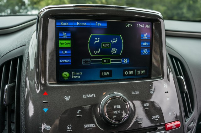 2013 Chevrolet Volt PREMIUM - 19K MILES - NAVI - LHTR -HTD STS Reseda, CA 32