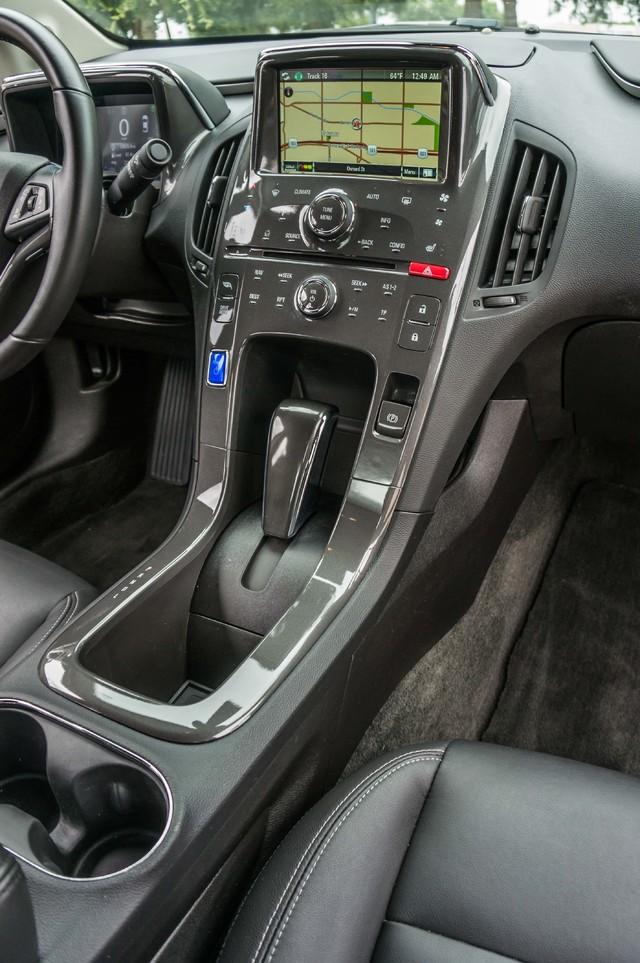 2013 Chevrolet Volt PREMIUM - 19K MILES - NAVI - LHTR -HTD STS Reseda, CA 28