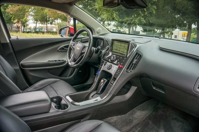 2013 Chevrolet Volt PREMIUM - 19K MILES - NAVI - LHTR -HTD STS Reseda, CA 23
