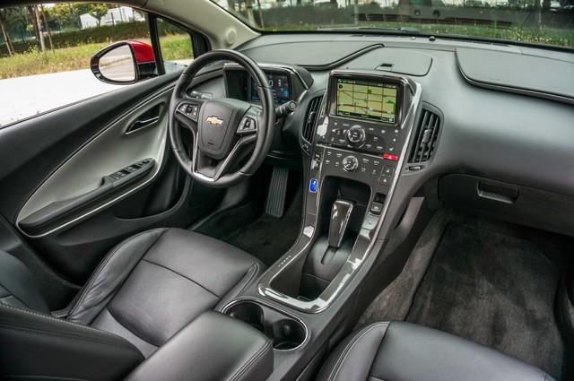 2013 Chevrolet Volt PREMIUM - 19K MILES - NAVI - LHTR -HTD STS Reseda, CA 39