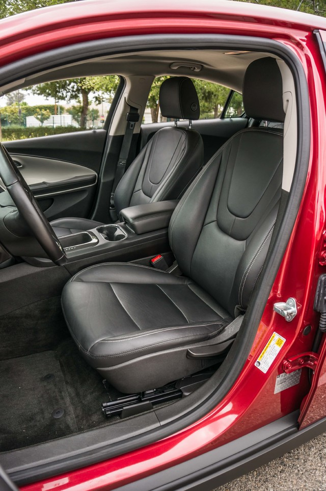 2013 Chevrolet Volt PREMIUM - 19K MILES - NAVI - LHTR -HTD STS Reseda, CA 19