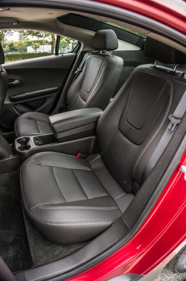 2013 Chevrolet Volt PREMIUM - 19K MILES - NAVI - LHTR -HTD STS Reseda, CA 20