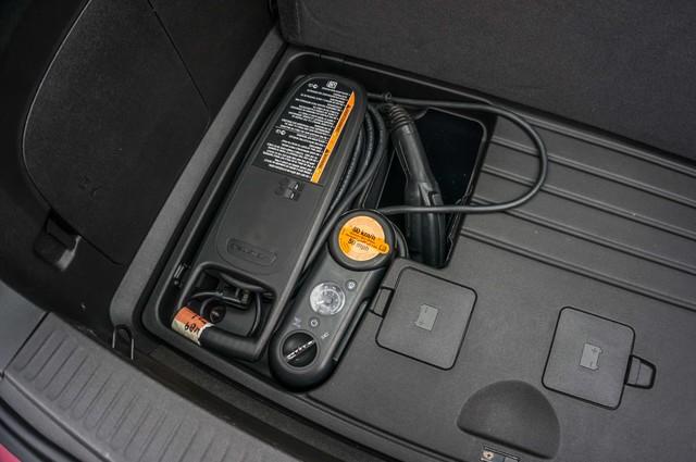 2013 Chevrolet Volt PREMIUM - 19K MILES - NAVI - LHTR -HTD STS Reseda, CA 45