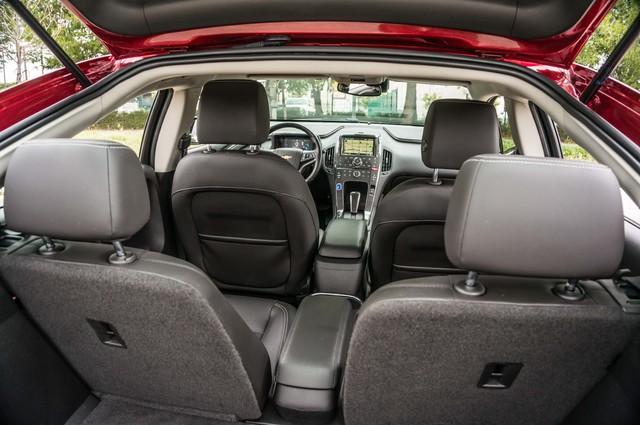 2013 Chevrolet Volt PREMIUM - 19K MILES - NAVI - LHTR -HTD STS Reseda, CA 41