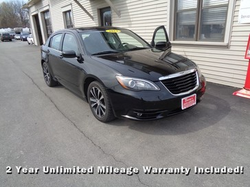 2013 Chrysler 200 Touring in Brockport