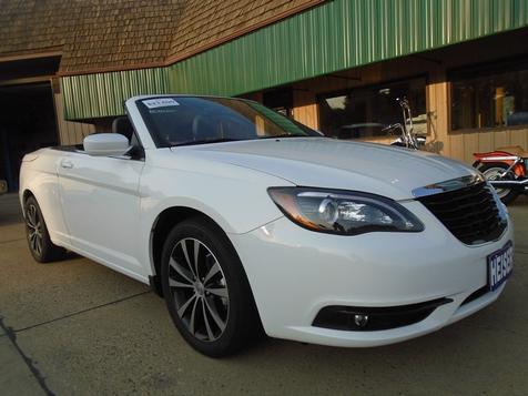 2013 Chrysler 200 S in Dickinson, ND
