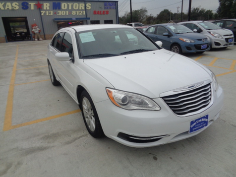 2013 Chrysler 200 LX in Houston