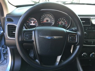 2013 Chrysler 200 LX Knoxville , Tennessee 17