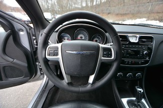 2013 Chrysler 200 Limited Naugatuck, Connecticut 13