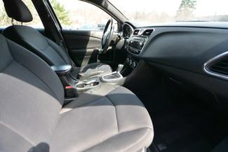 2013 Chrysler 200 LX Naugatuck, Connecticut 8