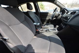 2013 Chrysler 200 LX Naugatuck, Connecticut 9