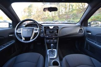 2013 Chrysler 200 Touring Naugatuck, Connecticut 12
