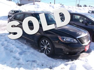 2013 Chrysler 200 Limited Newport, VT