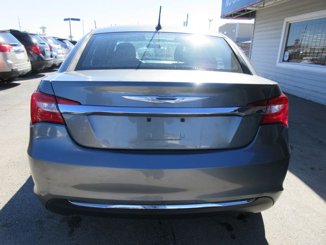 2013 Chrysler 200 , PRICE SHOWN IS ASKING DOWN PAYMENT south houston, TX 3