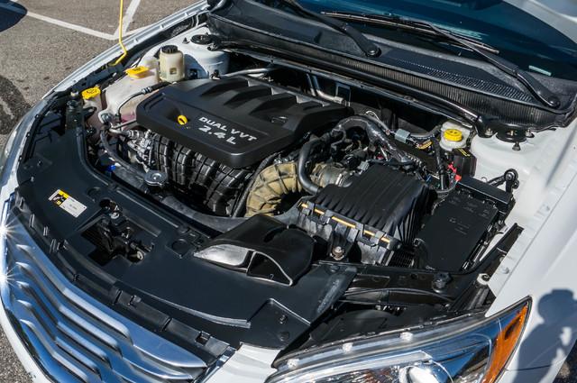 2013 Chrysler 200 Touring - AUTO - 85K MILES - ALLOY WHEELS Reseda, CA 36
