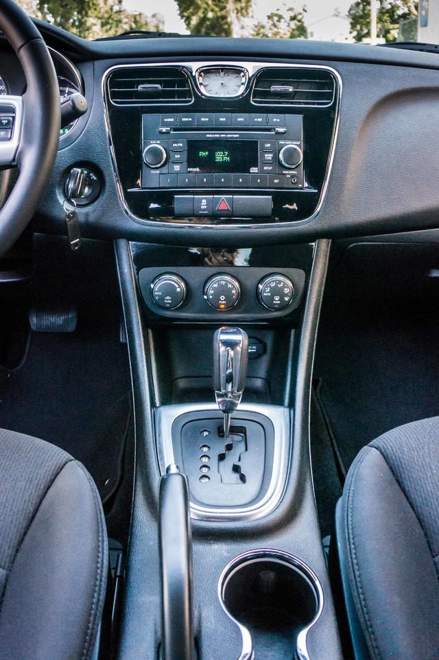 2013 Chrysler 200 Touring - AUTO - 85K MILES - ALLOY WHEELS Reseda, CA 22