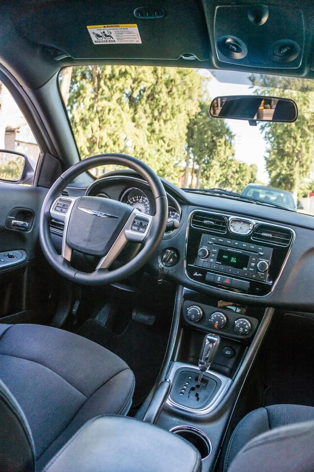 2013 Chrysler 200 Touring - AUTO - 85K MILES - ALLOY WHEELS Reseda, CA 35