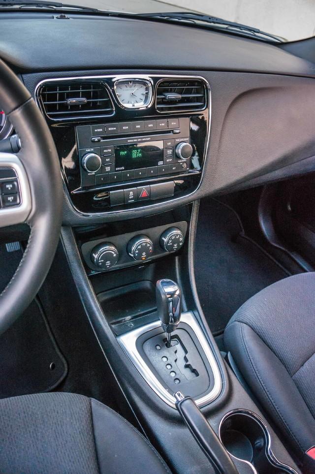 2013 Chrysler 200 Touring - AUTO - 85K MILES - ALLOY WHEELS Reseda, CA 27