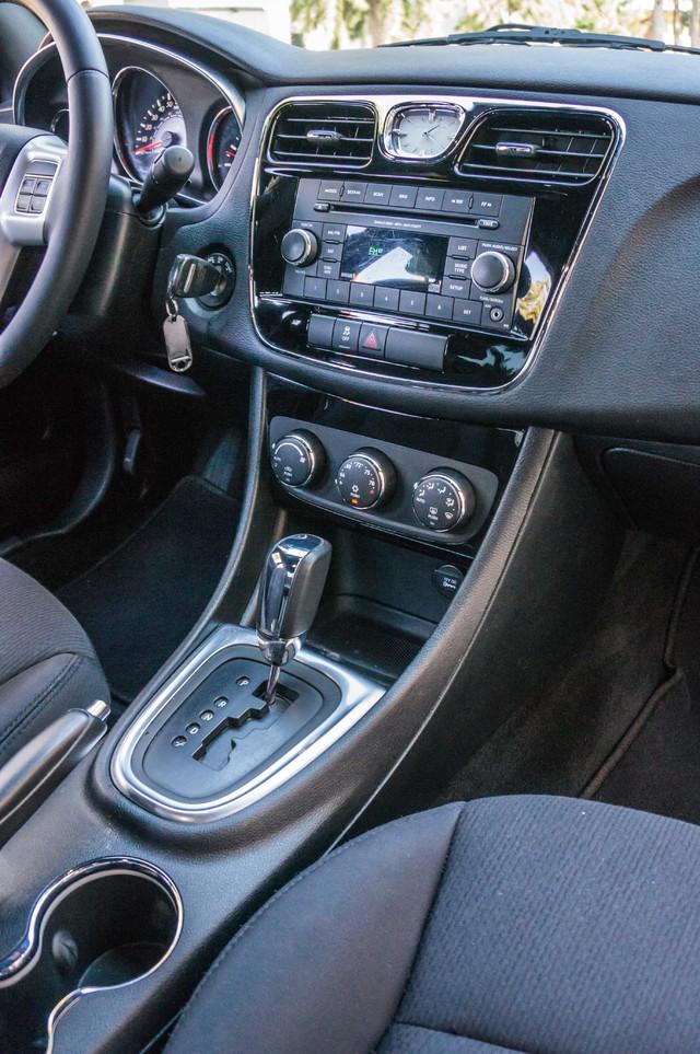 2013 Chrysler 200 Touring - AUTO - 85K MILES - ALLOY WHEELS Reseda, CA 26
