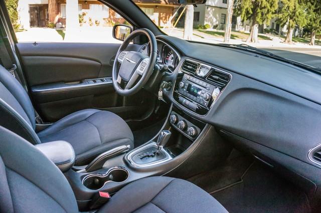 2013 Chrysler 200 Touring - AUTO - 85K MILES - ALLOY WHEELS Reseda, CA 34