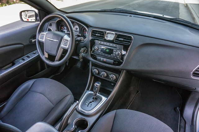 2013 Chrysler 200 Touring - AUTO - 85K MILES - ALLOY WHEELS Reseda, CA 21