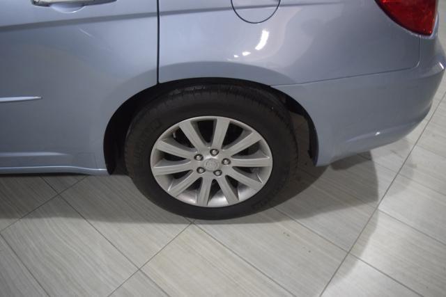 2013 Chrysler 200 Limited Richmond Hill, New York 12