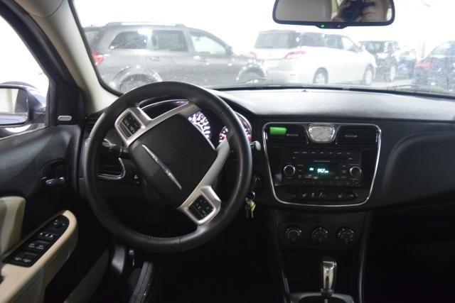 2013 Chrysler 200 Limited Richmond Hill, New York 5