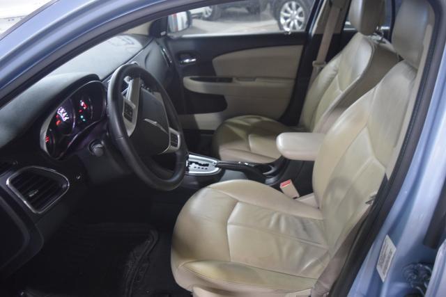 2013 Chrysler 200 Limited Richmond Hill, New York 7
