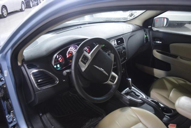 2013 Chrysler 200 Limited Richmond Hill, New York 9