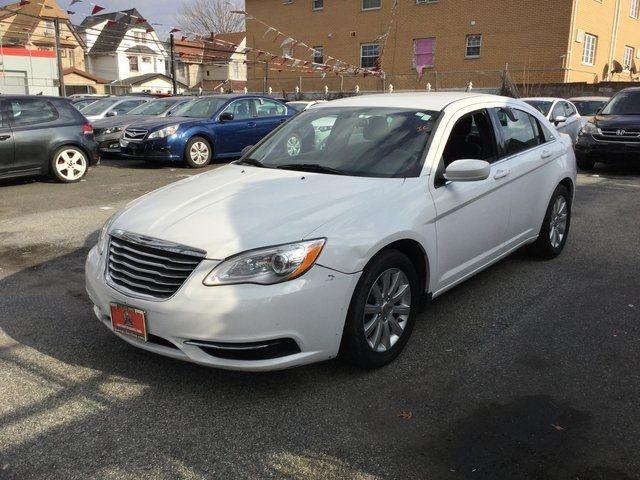 2013 Chrysler 200 Touring Richmond Hill, New York 2