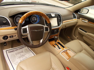 2013 Chrysler 300 300C Manchester, NH 7