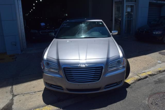 2013 Chrysler 300 300C Richmond Hill, New York 3