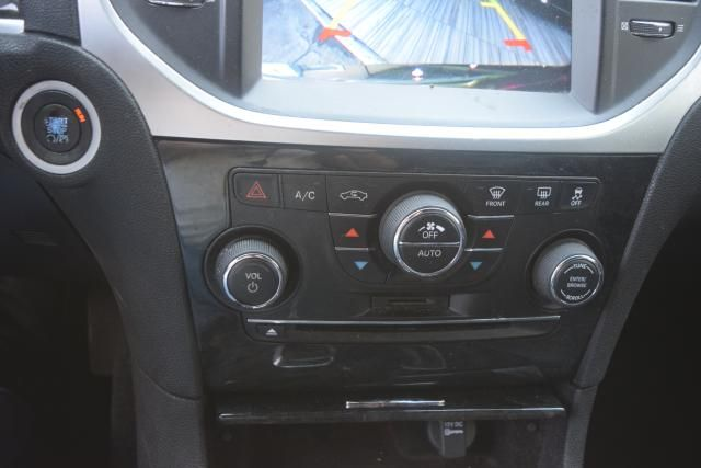 2013 Chrysler 300 300C Richmond Hill, New York 14
