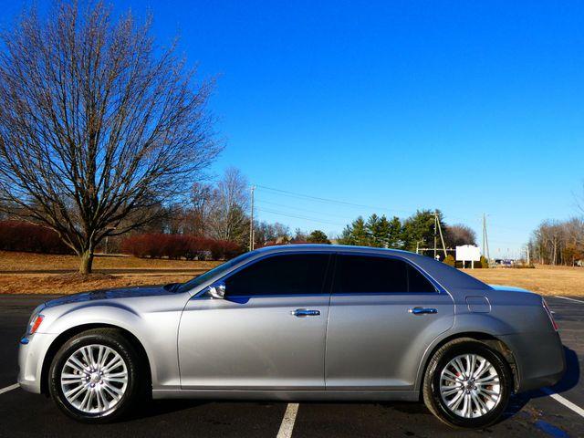 2013 Chrysler 300C 5.7L V8 Leesburg, Virginia 4