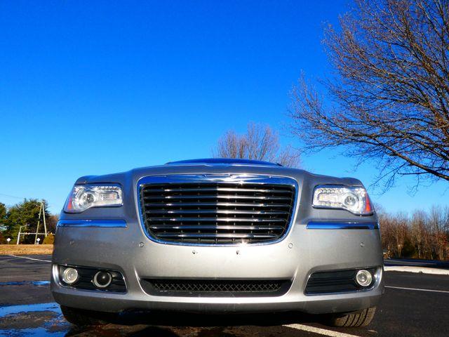 2013 Chrysler 300C 5.7L V8 Leesburg, Virginia 7
